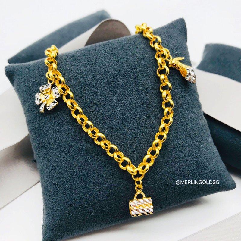 916 Gold Fashionista Charms Bracelet