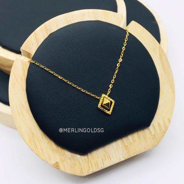 916 Gold Diamond Shape Necklace